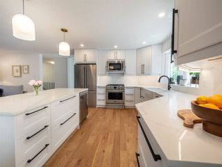 Photo 1: 224 RHATIGAN Road E in Edmonton: Zone 14 House for sale : MLS®# E4175557