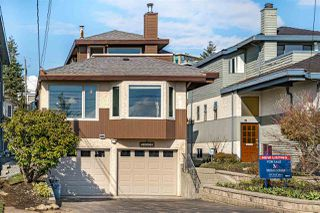 Photo 1: 14777 THRIFT Avenue: White Rock House for sale (South Surrey White Rock)  : MLS®# R2441671