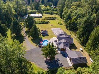 Photo 3: 5584 Prendergast Rd in COURTENAY: CV Courtenay West House for sale (Comox Valley)  : MLS®# 837501