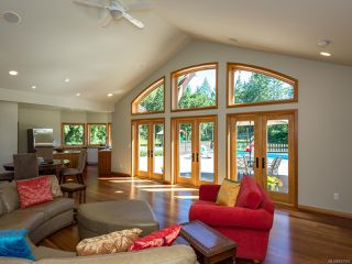 Photo 4: 5584 Prendergast Rd in COURTENAY: CV Courtenay West House for sale (Comox Valley)  : MLS®# 837501