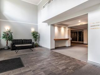 """Photo 18: 220 19528 FRASER Highway in Surrey: Cloverdale BC Condo for sale in """"FAIRMONT ON THE BOULEVARD"""" (Cloverdale)  : MLS®# R2467752"""