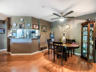 """Photo 5: 220 19528 FRASER Highway in Surrey: Cloverdale BC Condo for sale in """"FAIRMONT ON THE BOULEVARD"""" (Cloverdale)  : MLS®# R2467752"""