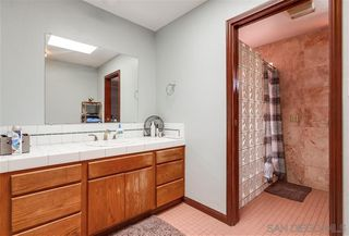 Photo 11: ALPINE House for sale : 3 bedrooms : 1165 Midway Dr