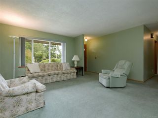 Photo 2: 2154 French Rd in : Sk Broomhill House for sale (Sooke)  : MLS®# 853473