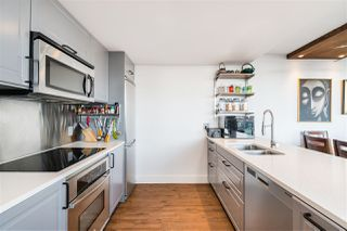 """Photo 12: 1709 788 HAMILTON Street in Vancouver: Downtown VW Condo for sale in """"TV TOWER"""" (Vancouver West)  : MLS®# R2489935"""