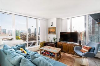 """Photo 4: 1709 788 HAMILTON Street in Vancouver: Downtown VW Condo for sale in """"TV TOWER"""" (Vancouver West)  : MLS®# R2489935"""