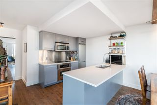 """Photo 11: 1709 788 HAMILTON Street in Vancouver: Downtown VW Condo for sale in """"TV TOWER"""" (Vancouver West)  : MLS®# R2489935"""