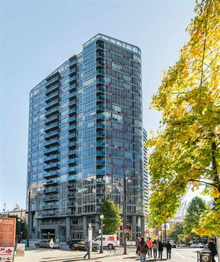 """Photo 2: 1709 788 HAMILTON Street in Vancouver: Downtown VW Condo for sale in """"TV TOWER"""" (Vancouver West)  : MLS®# R2489935"""
