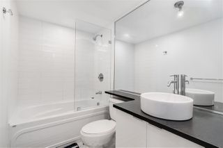 """Photo 15: 1709 788 HAMILTON Street in Vancouver: Downtown VW Condo for sale in """"TV TOWER"""" (Vancouver West)  : MLS®# R2489935"""