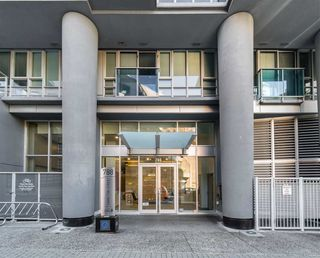 """Photo 3: 1709 788 HAMILTON Street in Vancouver: Downtown VW Condo for sale in """"TV TOWER"""" (Vancouver West)  : MLS®# R2489935"""