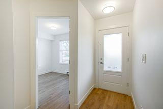 Photo 5: 19 27735 ROUNDHOUSE Drive in Abbotsford: Aberdeen Townhouse for sale : MLS®# R2498505