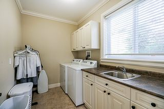 """Photo 18: 35527 ZANATTA Place in Abbotsford: Abbotsford East House for sale in """"PARKVIEW RIDGE"""" : MLS®# R2503422"""