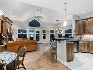 Photo 8: 30 DISCOVERY RIDGE Lane SW in Calgary: Discovery Ridge Semi Detached for sale : MLS®# A1038532