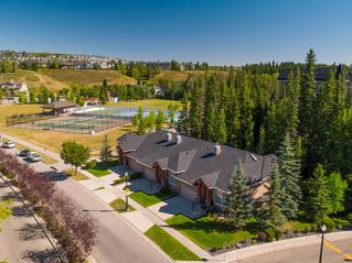 Photo 3: 30 DISCOVERY RIDGE Lane SW in Calgary: Discovery Ridge Semi Detached for sale : MLS®# A1038532