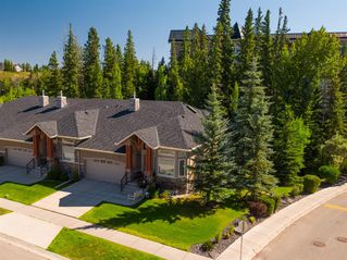 Photo 2: 30 DISCOVERY RIDGE Lane SW in Calgary: Discovery Ridge Semi Detached for sale : MLS®# A1038532