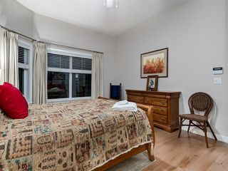 Photo 23: 30 DISCOVERY RIDGE Lane SW in Calgary: Discovery Ridge Semi Detached for sale : MLS®# A1038532