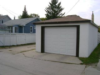 Photo 18: 393 Woodlawn Street in WINNIPEG: St James Residential for sale (West Winnipeg)  : MLS®# 1220229