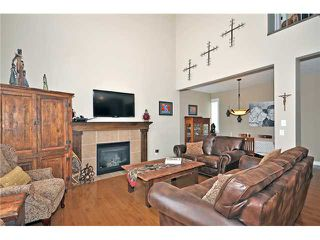 Photo 8: 14 ELMONT ESTATES Manor SW in CALGARY: Springbank Hill Residential Detached Single Family for sale (Calgary)  : MLS®# C3570379