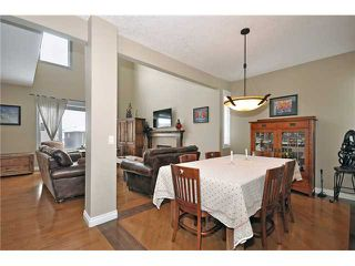Photo 6: 14 ELMONT ESTATES Manor SW in CALGARY: Springbank Hill Residential Detached Single Family for sale (Calgary)  : MLS®# C3570379