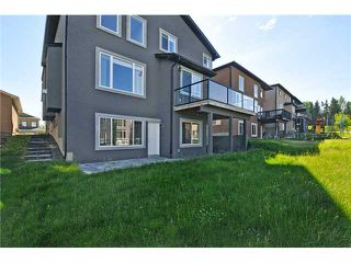 Photo 18: 14 ELMONT ESTATES Manor SW in CALGARY: Springbank Hill Residential Detached Single Family for sale (Calgary)  : MLS®# C3570379