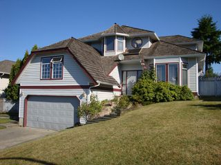 Photo 1: 18019 64A Avenue in Cloverdale: Home for sale