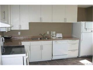 Photo 2: 840 Reed St in VICTORIA: Vi Mayfair Half Duplex for sale (Victoria)  : MLS®# 439261