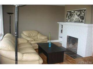 Photo 3: 840 Reed St in VICTORIA: Vi Mayfair Half Duplex for sale (Victoria)  : MLS®# 439261
