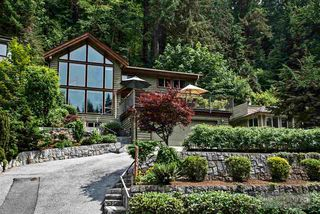 Photo 1: 1880 RIVERSIDE DRIVE in North Vancouver: Seymour NV House for sale : MLS®# R2072090