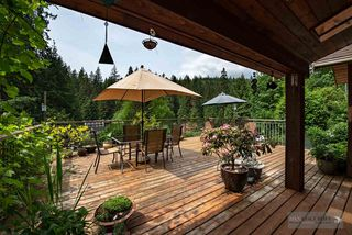 Photo 2: 1880 RIVERSIDE DRIVE in North Vancouver: Seymour NV House for sale : MLS®# R2072090