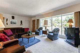 Photo 2: 4041 LIONS Avenue in North Vancouver: Forest Hills NV House for sale : MLS®# R2397426