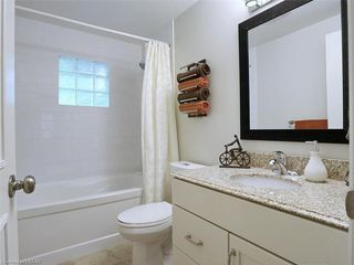 Photo 10: 50 SANDALWOOD Crescent in London: North F Residential for sale (North)  : MLS®# 217275