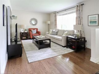 Photo 3: 50 SANDALWOOD Crescent in London: North F Residential for sale (North)  : MLS®# 217275