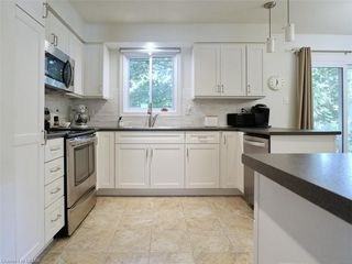Photo 5: 50 SANDALWOOD Crescent in London: North F Residential for sale (North)  : MLS®# 217275