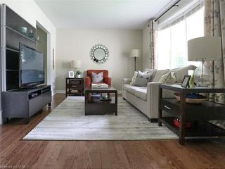 Photo 4: 50 SANDALWOOD Crescent in London: North F Residential for sale (North)  : MLS®# 217275
