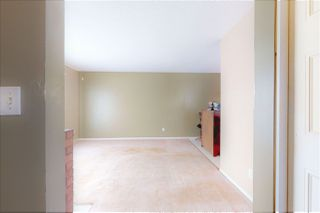 Photo 7: 17254 104 Street in Edmonton: Zone 27 House Half Duplex for sale : MLS®# E4176861