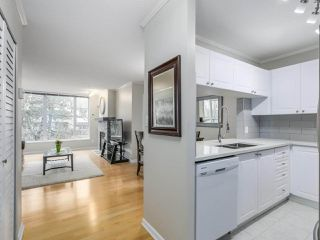 """Photo 9: 402 7077 BERESFORD Street in Burnaby: Highgate Condo for sale in """"City Club"""" (Burnaby South)  : MLS®# R2416735"""