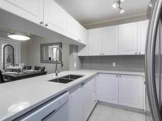 "Photo 12: 402 7077 BERESFORD Street in Burnaby: Highgate Condo for sale in ""City Club"" (Burnaby South)  : MLS®# R2416735"