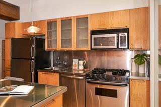 """Photo 6: 303 1072 HAMILTON Street in Vancouver: Yaletown Condo for sale in """"THE CRANDALL"""" (Vancouver West)  : MLS®# R2420588"""
