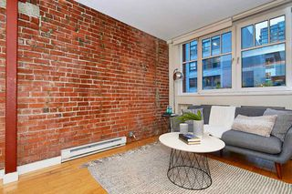 """Photo 4: 303 1072 HAMILTON Street in Vancouver: Yaletown Condo for sale in """"THE CRANDALL"""" (Vancouver West)  : MLS®# R2420588"""