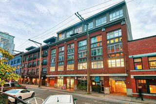 """Photo 20: 303 1072 HAMILTON Street in Vancouver: Yaletown Condo for sale in """"THE CRANDALL"""" (Vancouver West)  : MLS®# R2420588"""