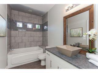 Photo 8: 11366-11370 MAPLE CRESCENT in Maple Ridge: Southwest Maple Ridge House for sale : MLS®# R2389937
