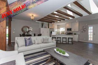 Photo 1: 11366-11370 MAPLE CRESCENT in Maple Ridge: Southwest Maple Ridge House for sale : MLS®# R2389937