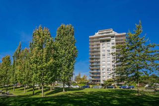 "Main Photo: 604 140 E KEITH Road in North Vancouver: Central Lonsdale Condo for sale in ""Keith 100"" : MLS®# R2433541"