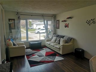 Photo 3: 84 St Claire Boulevard in Winnipeg: East Transcona Residential for sale (3M)  : MLS®# 202009391
