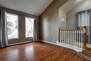 Photo 5: 2635 14 Avenue SE in Calgary: Albert Park/Radisson Heights Detached for sale : MLS®# A1047252