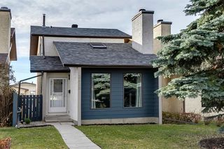 Photo 3: 2635 14 Avenue SE in Calgary: Albert Park/Radisson Heights Detached for sale : MLS®# A1047252