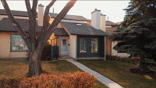 Photo 1: 2635 14 Avenue SE in Calgary: Albert Park/Radisson Heights Detached for sale : MLS®# A1047252