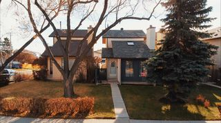 Photo 2: 2635 14 Avenue SE in Calgary: Albert Park/Radisson Heights Detached for sale : MLS®# A1047252
