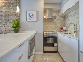 """Photo 3: 905 1250 BURNABY Street in Vancouver: West End VW Condo for sale in """"The Horizon"""" (Vancouver West)  : MLS®# R2525918"""