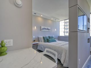 """Photo 15: 905 1250 BURNABY Street in Vancouver: West End VW Condo for sale in """"The Horizon"""" (Vancouver West)  : MLS®# R2525918"""